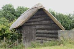 Mit Stroh gedeckte Hütte bei Avebury. Wiltshire. Großbritannien Lizenzfreies Stockbild
