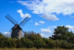 Mit Stroh gedeckte Windmühle Lizenzfreies Stockfoto