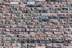 Mit Ziegeln gedeckte Beschaffenheit des Granits deckt Musterhintergrund mit Ziegeln Lizenzfreies Stockbild