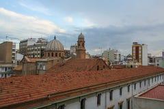 Mit Ziegeln gedeckte Dächer der Stadt von CastellÐ-¾ n Provinz in Ost-Spanien, stockfoto