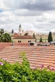 Mit Ziegeln gedeckte Dächer von Jerusalem Stockbild