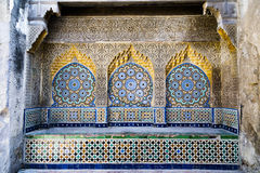 Mit Ziegeln gedeckte und geschnitzte Nische in Casbah, Tanger Lizenzfreies Stockfoto