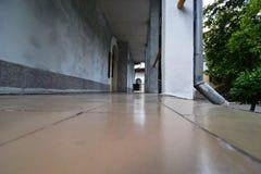 Mit Ziegeln gedeckter Fußboden Lizenzfreie Stockfotografie