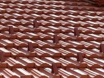 Mit Ziegeln gedecktes Dach lizenzfreie stockbilder