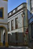 Mit Ziegeln gedecktes portugiesisches Gebäude im Stadtzentrum von Beja, Alentejo Por lizenzfreie stockfotos