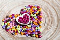 Mitad-Cut del corazón del papel rosado Imagen de archivo libre de regalías