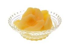 Mitades de la pera en el plato de cristal Foto de archivo