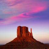 Mitaine occidentale de vallée de monument au ciel de coucher du soleil Image libre de droits
