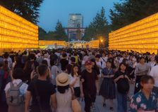 Mitama Matsuri节日和人群 库存图片