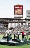 Mitglieder der Wahnsinnige des Band-10.000 am Sun Devil Stadium Lizenzfreies Stockfoto