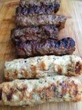 Mititei romanian grillade köttfärsrullar Royaltyfri Foto