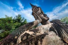 Mitologia e statue religiose al parco di Wat Xieng Khuan Buddha laos immagine stock libera da diritti
