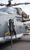 Mitrailleuse sur l'hélicoptère allemand de Sea-Lynx, sur le salon de l'aéronautique de Berlin Image libre de droits