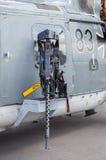 Mitrailleuse sur l'hélicoptère allemand de Sea-Lynx, sur le salon de l'aéronautique de Berlin Photo stock
