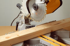 mitre saw04 Royaltyfria Foton