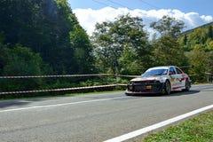 Mitsubishi Lancer Evo V strojeniowy zlotny samochód Zdjęcie Stock