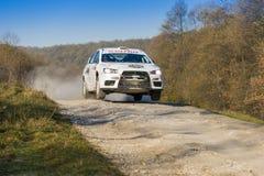 Mitsubishi Lancer Evo X konkurrerar på ettåriga växten samlar Galicia Arkivfoto
