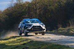 Mitsubishi Lancer Evo X konkurrerar på ettåriga växten samlar Galicia Fotografering för Bildbyråer