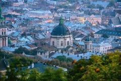 Mitt av en gammal europeisk stad från en bästa sikt Lviv Ukraina Royaltyfria Bilder