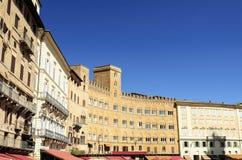 Mitt av Siena - piazza il Campo Royaltyfria Bilder