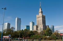 Mitt av Warszawa - slott av kultur och vetenskap Arkivbild