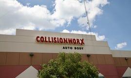 Mitt för sammanstötningsWorx auto kropp Royaltyfri Bild
