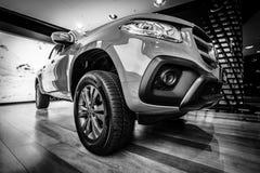 Mitt--format lyxig pickupMercedes-Benz X-grupp X220d 4Matic royaltyfria foton