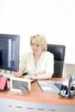 mitt- kvinna för affärslivstid Arkivbild
