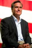 Mitt Romney aparece en una reunión en el ayuntamiento en Mesa, AZ Fotos de archivo