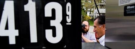 Mitt Romney bensinpriser Fotografering för Bildbyråer