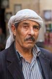 Mitt - östlig Kurdish man med hans traditionella sjalett, Turkiet Royaltyfri Bild