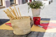 Mittag in Acqui Terme, Italien Stockbilder