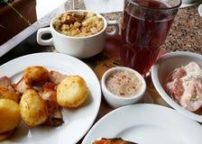 Mittagessen im Restaurant Stockbild