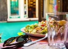 Mittagessen in Novi Sad Lizenzfreie Stockfotos