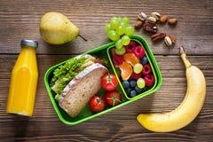 Mittagessenkasten mit Sandwich stockfotos