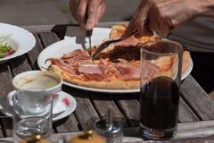 Mittagessenpizza aus Italien Stockfotos