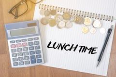 MITTAGSPAUSE-Zeit für Mittagessenwörter, GESCHÄFTSMANN-FUNKTION UND MITTAGESSEN T Lizenzfreie Stockfotos