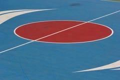 Mitte des Basketballplatzes. Lizenzfreies Stockbild