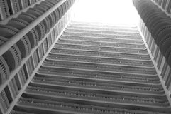 Mitte des Gebäudes lizenzfreie stockfotografie