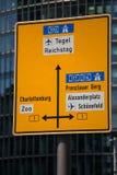 Mitte do sinal de rua de Berlim fotografia de stock royalty free