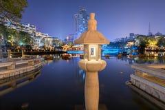 Mitte einer Seelampe-c$ruzi Pavillon-Parknacht Stockfoto
