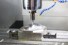 Mitte hohe Präzision CNC-maschineller Bearbeitung stockfotografie