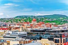 Mitte von Budapest, ungarisches Parlament, Ansicht vom StSteph Lizenzfreie Stockfotografie