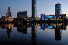 Mitte von Jekaterinburg an der Dämmerung lizenzfreies stockbild