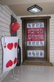 Mitteilung auf der Tür des Hauses Lizenzfreies Stockfoto
