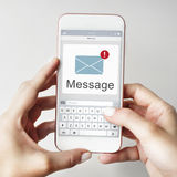 Mitteilungs-Textspeicherungs- und -verteilungchat-Kommunikations-Konzept Stockbilder