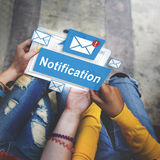 Mitteilungs-wachsames Digital-Ikonen-Internet-Konzept lizenzfreie stockbilder