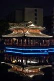 Mittel-See Pavillon--Ruzipavillon-Parknacht Stockfotografie