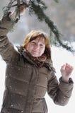Mittelalterfrau im Winter lizenzfreie stockfotos