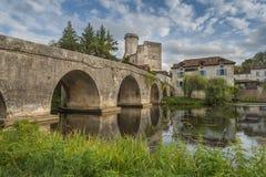 Mittelalterliche Brücke in Frankreich Lizenzfreie Stockbilder